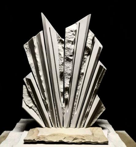 Moderna skulptura, dimenzija 40 cm, cena 3000€